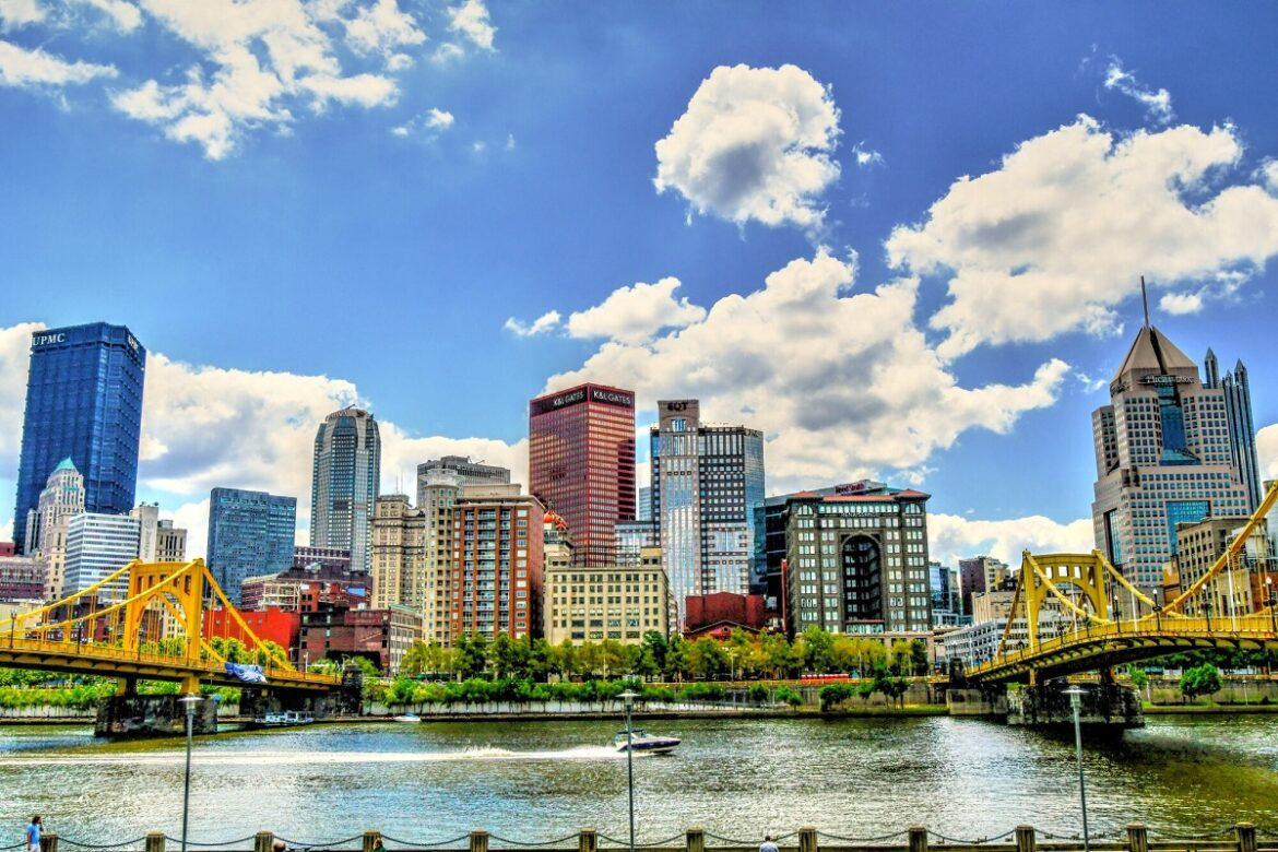 Looking for a new city to call home? Pittsburgh is a city you probably haven't thought about but might love. Here's 5 reasons to move to Pittsburgh in 2021.