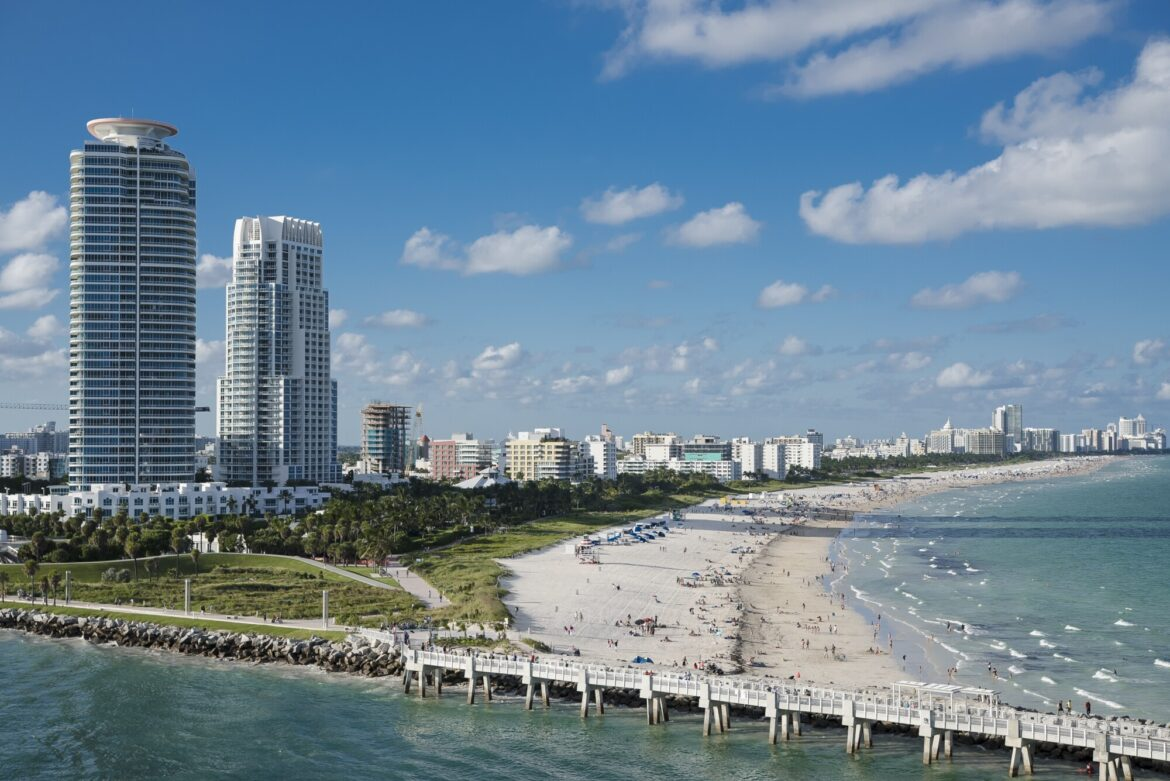 If you want to experience the magic of a city, head over to Miami, Florida. Here's a list of cool things to do in Miami.