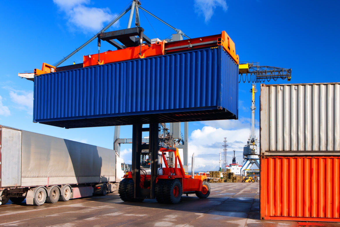 The Complete Guide to Buying Shipping Containers