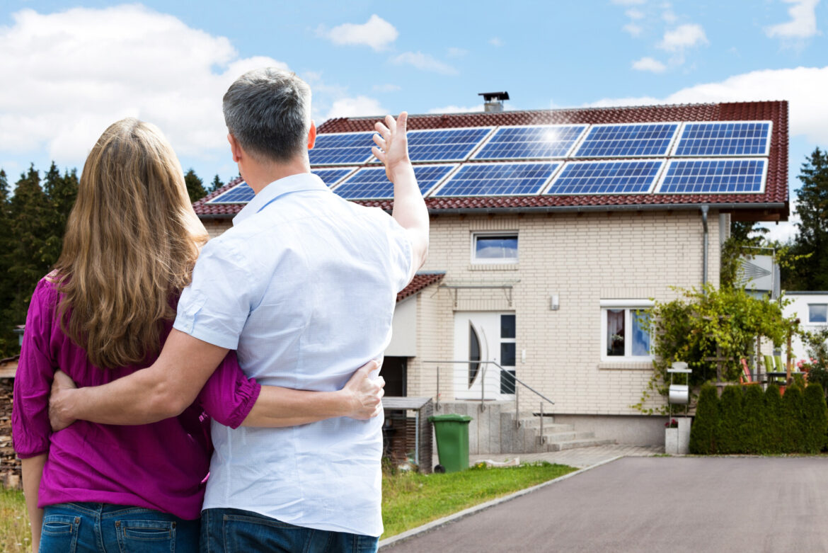Minimize your carbon footprint, increase resale value, and reduce your electricity bills! Discover all the benefits of installing residential solar panels here.