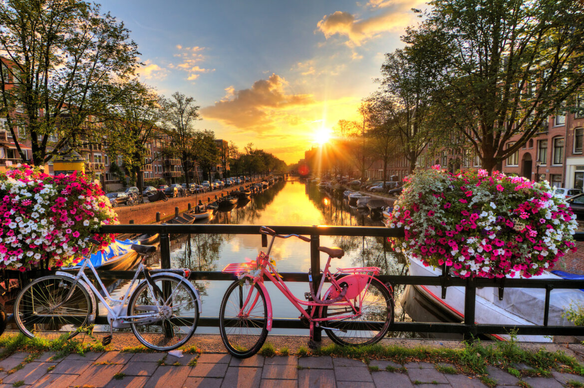 With international travel reopening, many people are looking to plan a trip to Amsterdam. Here is a quick guide on how to properly prepare for your trip.