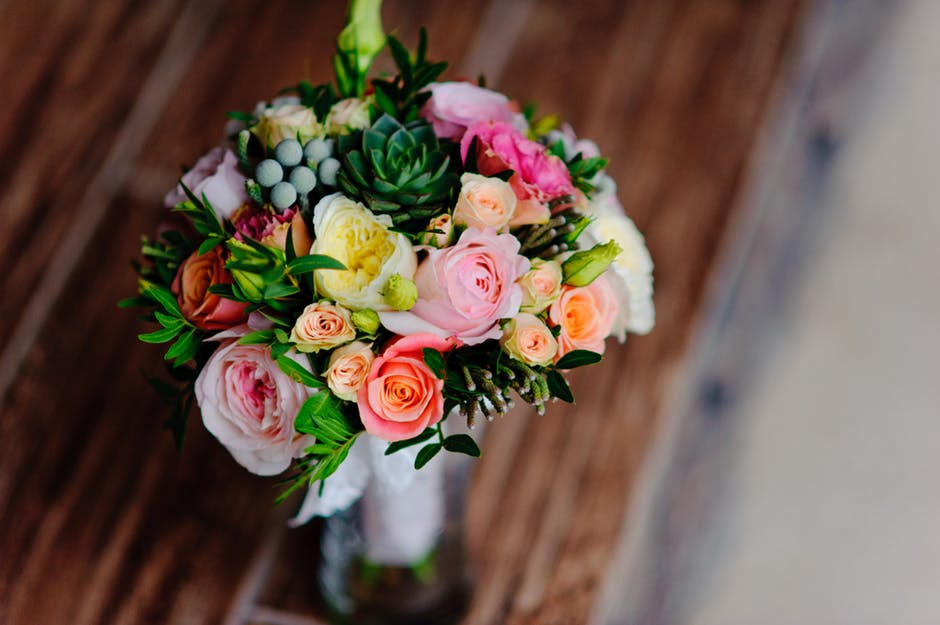 What Are the Benefits of Flowers in Your Home?